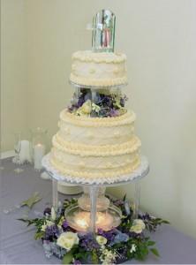 choosing wedding cakes