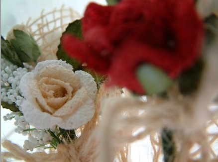 A Few Ways to Cut Costs on Wedding Flowers