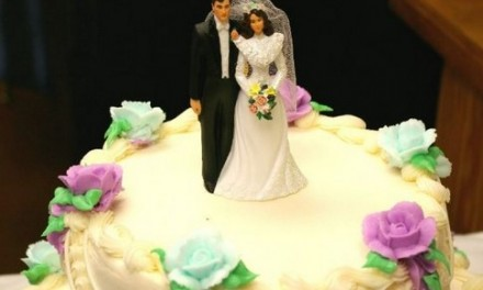 Keeping the Costs of Wedding Cakes Down