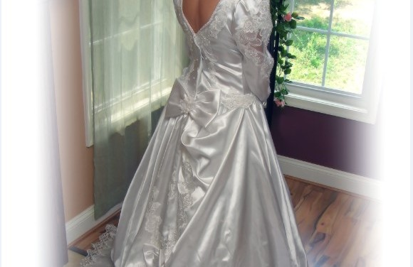 Wedding Dresses to Die For, The Most Expensive Gowns in the World!
