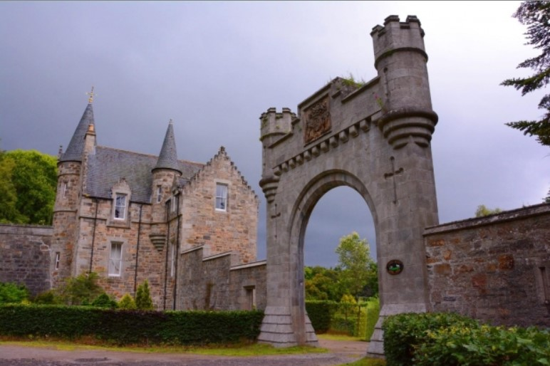 Some Wedding Traditions from Bonnie Scotland